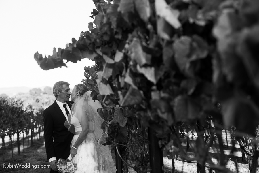 Sonoma Wedding Photographer at Durell Vineyard_0030