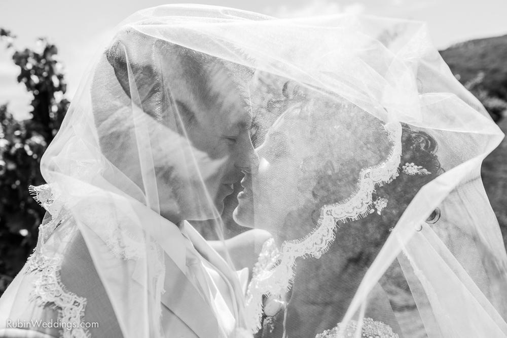 Blue Victorian Wedding at Vezer Family Vineyards By Alexander Rubin Photography (14)